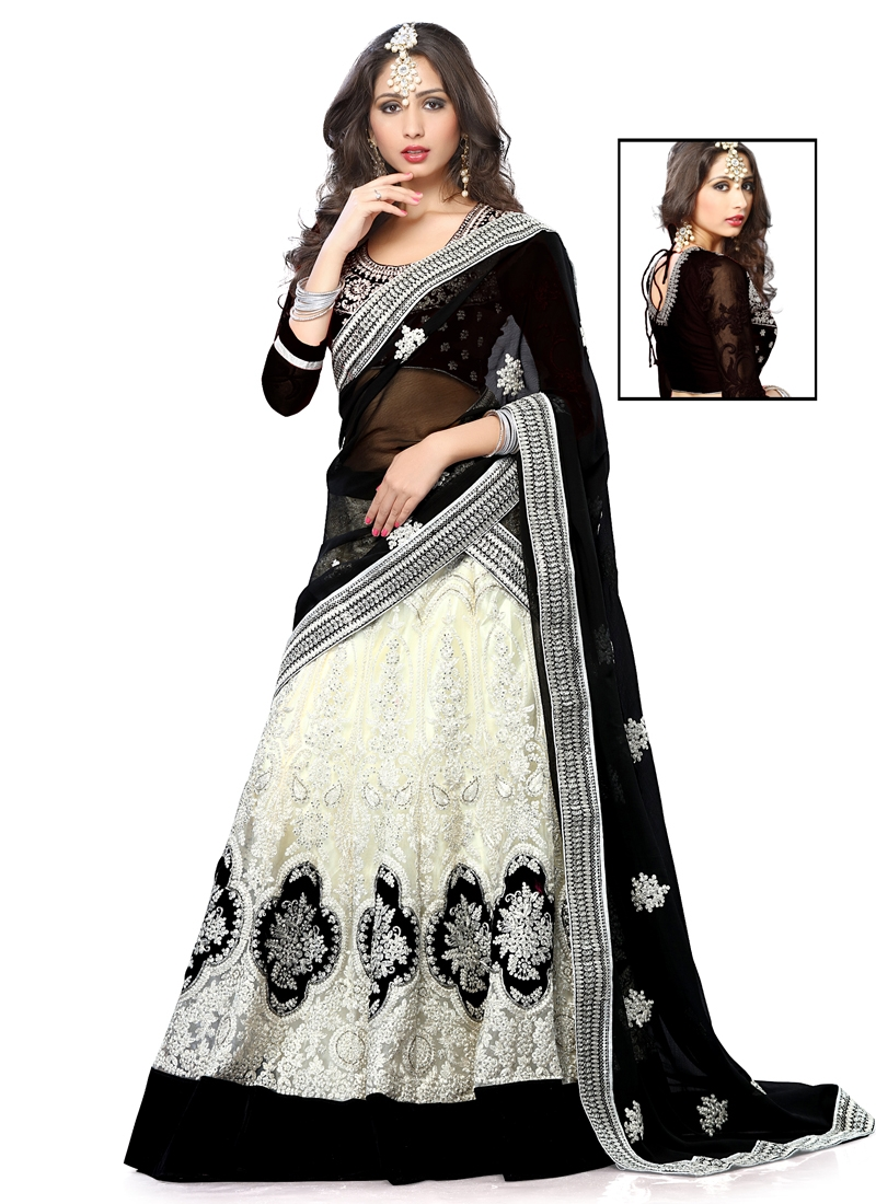 Hypnotizing Embroidery Work Designer Lehenga Choli