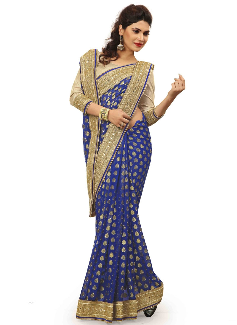 Hypnotizing Embroidery Work Net Wedding Saree