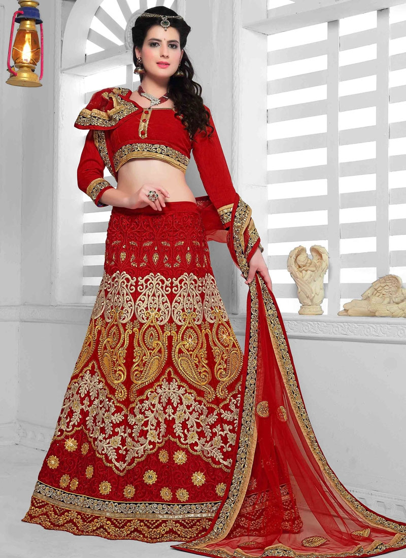 Hypnotizing Embroidery Work Wedding Lehenga Choli