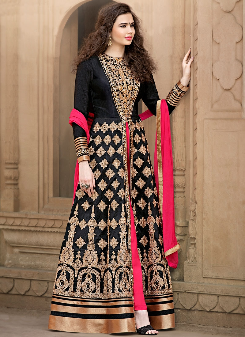 Impeccable Booti Work Long Length Designer Salwar Kameez