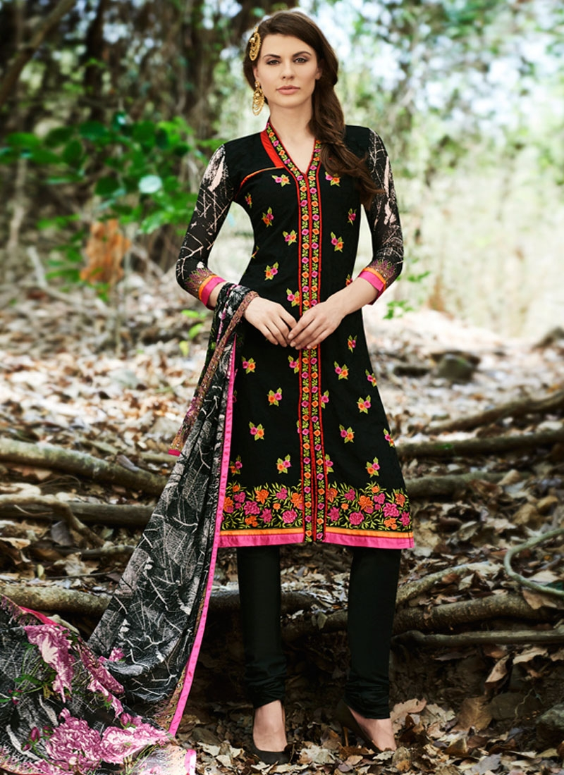 Impeccable Floral Work Party Wear Salwar Suit