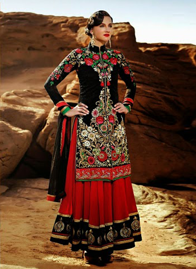 Incredible Floral Enhanced Designer Salwar Kameez
