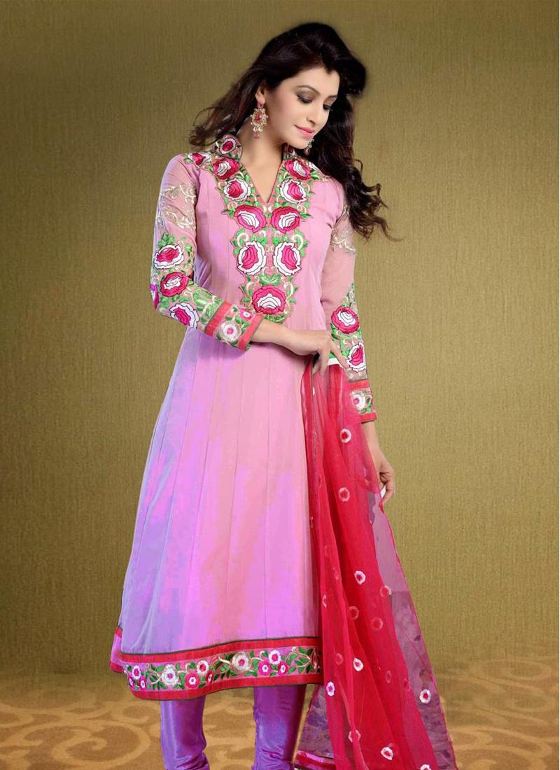 Innovative Lace Enhanced Party Wear Salwar Kameez