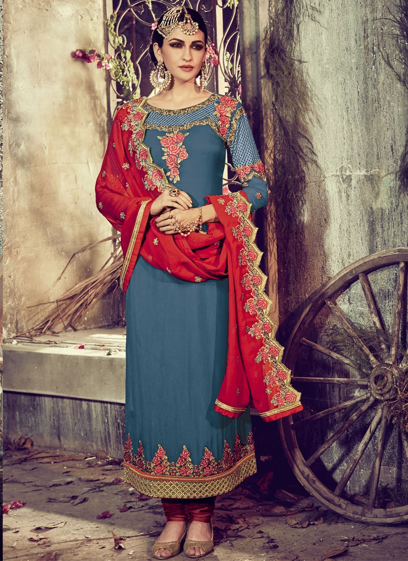 Intriguing Floral Work Pakistani Salwar Kameez