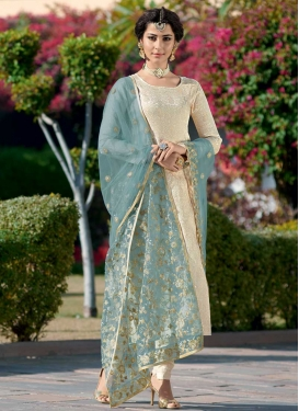 Jacquard Silk Embroidered Work Trendy Pakistani Salwar Kameez
