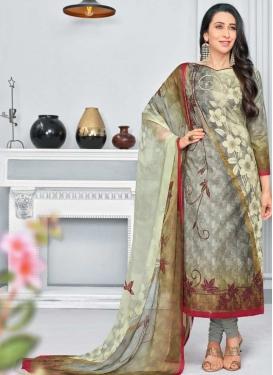 Karisma Kapoor Cotton Trendy Pakistani Salwar Kameez