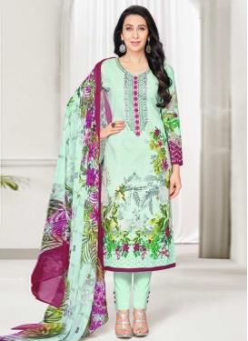Karisma Kapoor Pant Style Pakistani Salwar Kameez For Ceremonial