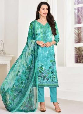 Karisma Kapoor Pant Style Salwar Kameez For Casual