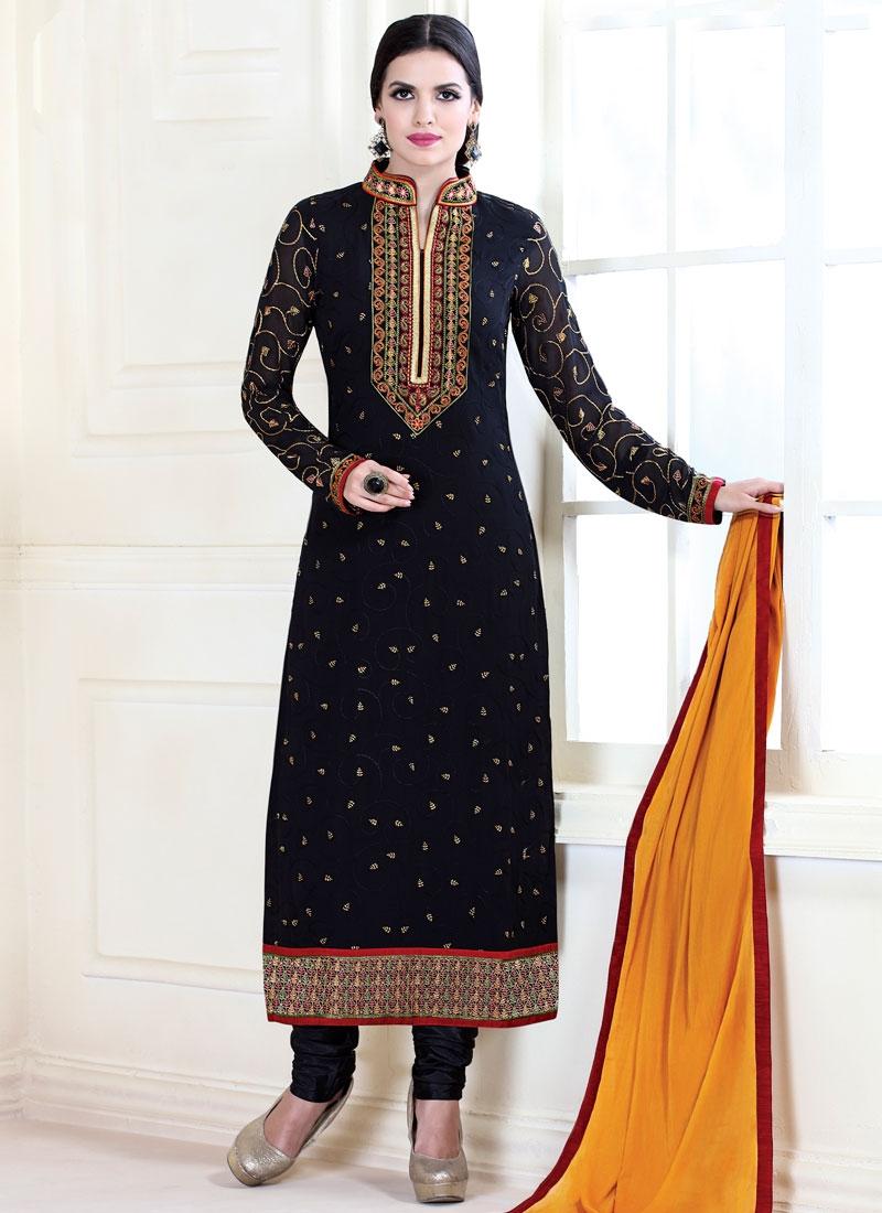 Lustrous Black Color Lace Work Pakistani Salwar Kameez