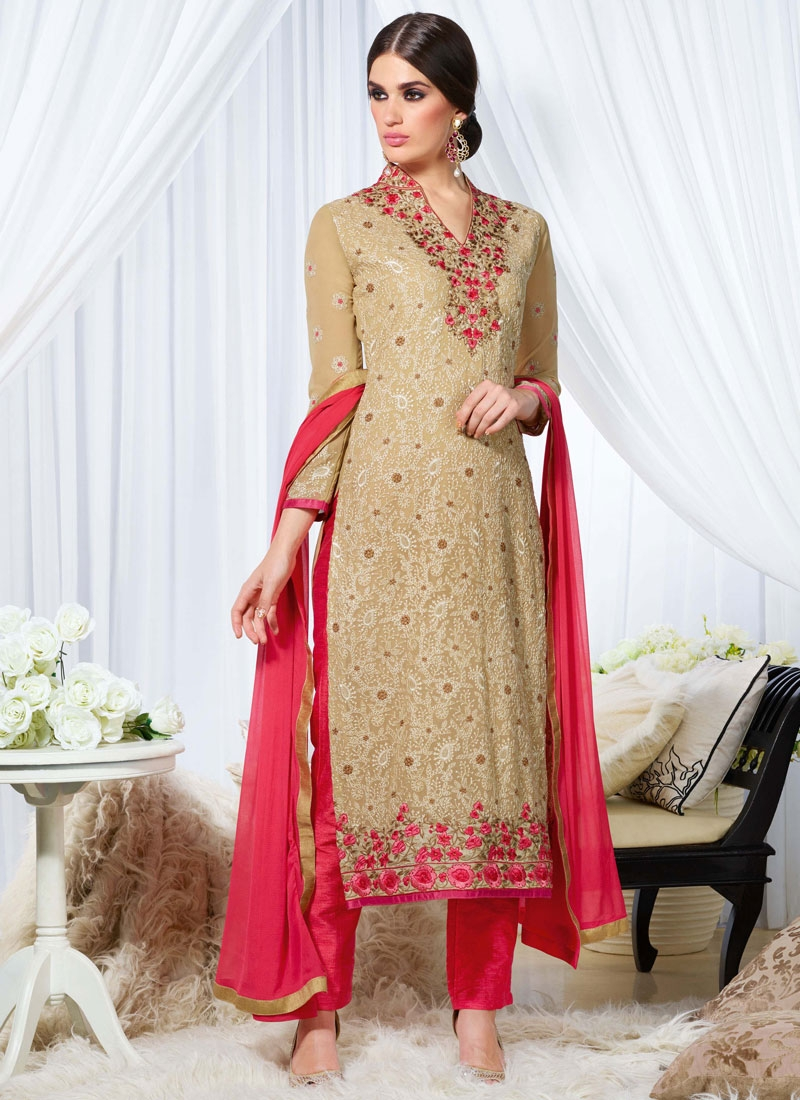 Luxurious Georgette Lace Work Pant Style Pakistani Salwar Kameez