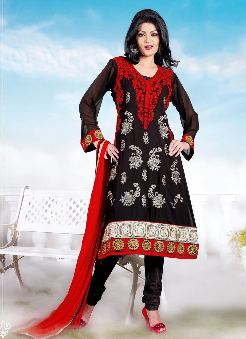 Opulent Floral Enhanced Churidar Salwar Kameez