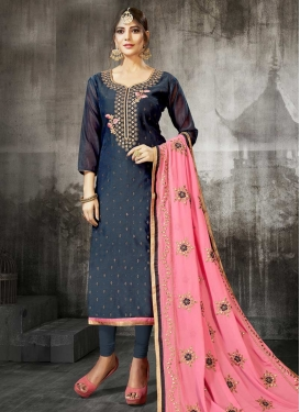 Pakistani Straight Salwar Kameez For Ceremonial