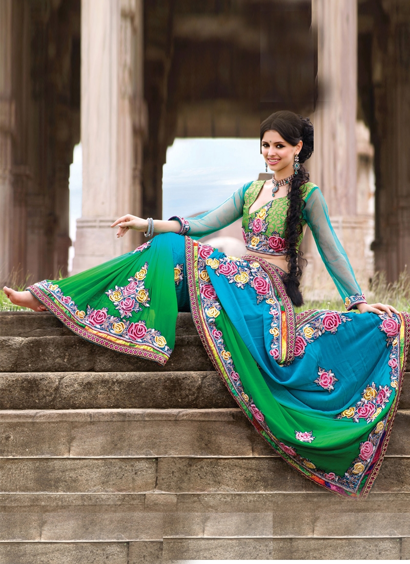 Perfect Floral Enhanced Wedding Saree