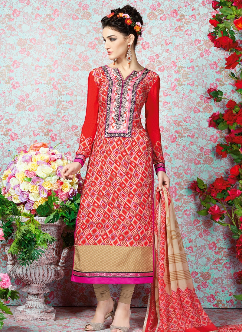 Perfervid Crepe Silk Lace Work Party Wear Salwar Kameez