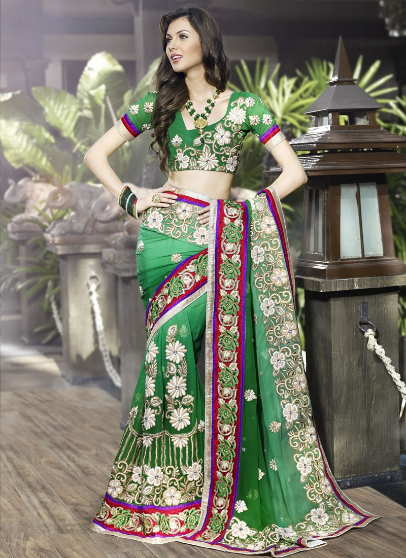 Pleasing Floral Patch Designer Saree