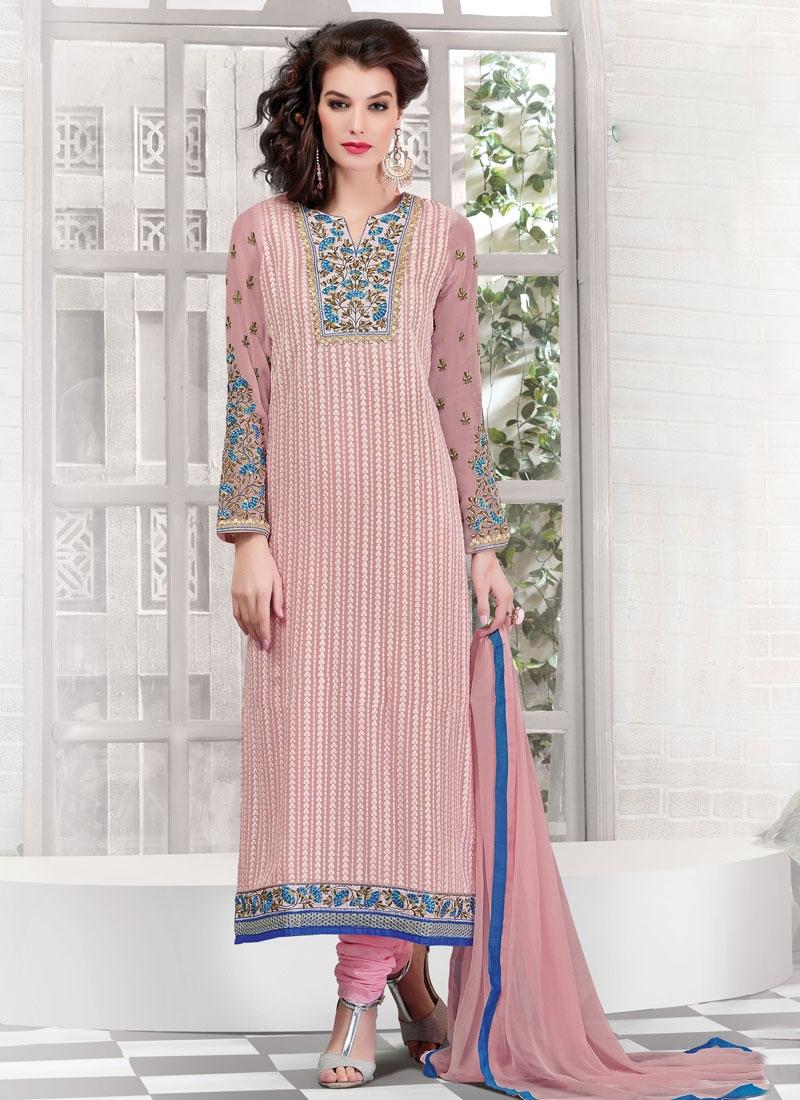 Praiseworthy Lace Work Faux Georgette Pakistani Salwar Suit