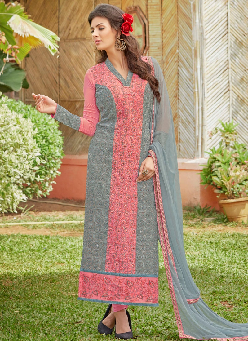 Preferable Resham And Lace Work Pakistani Salwar Kameez