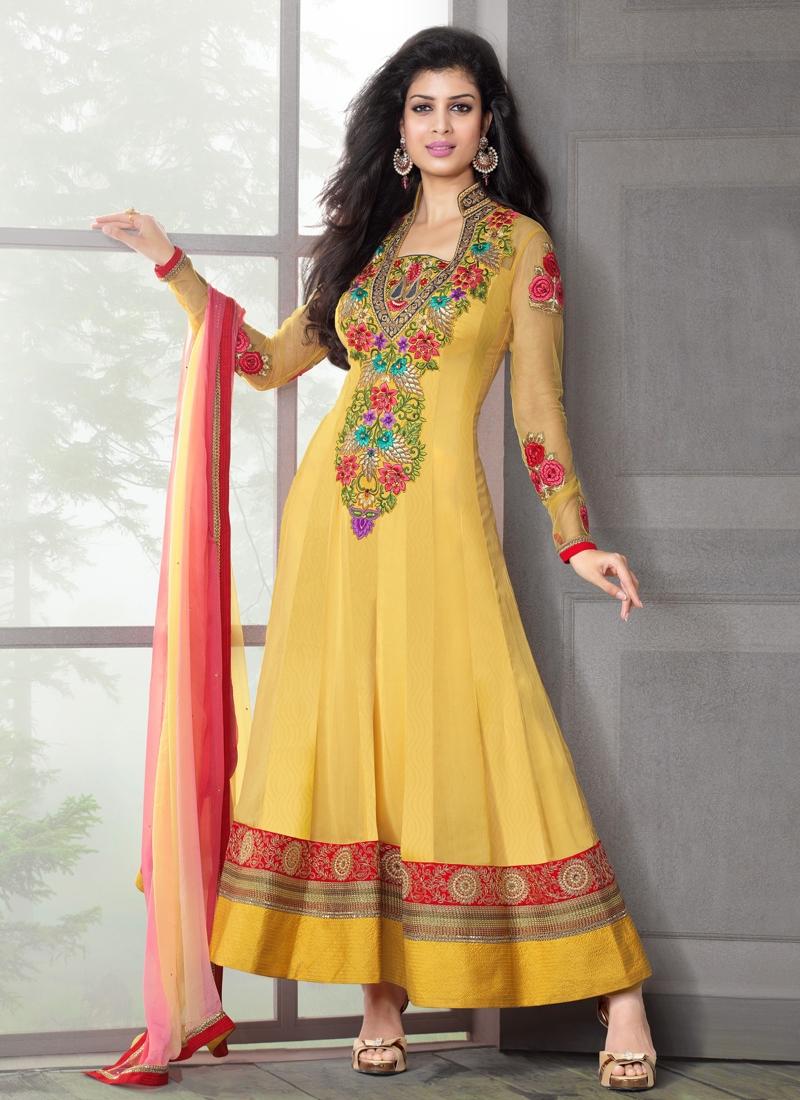 Prominent Floral Enhanced Anarkali Salwar Suit