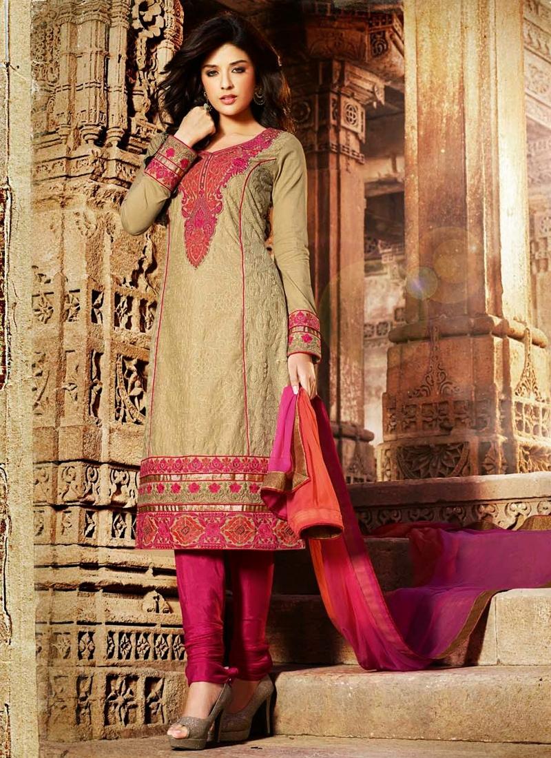 Ravishing Cotton Party Wear Salwar Kameez
