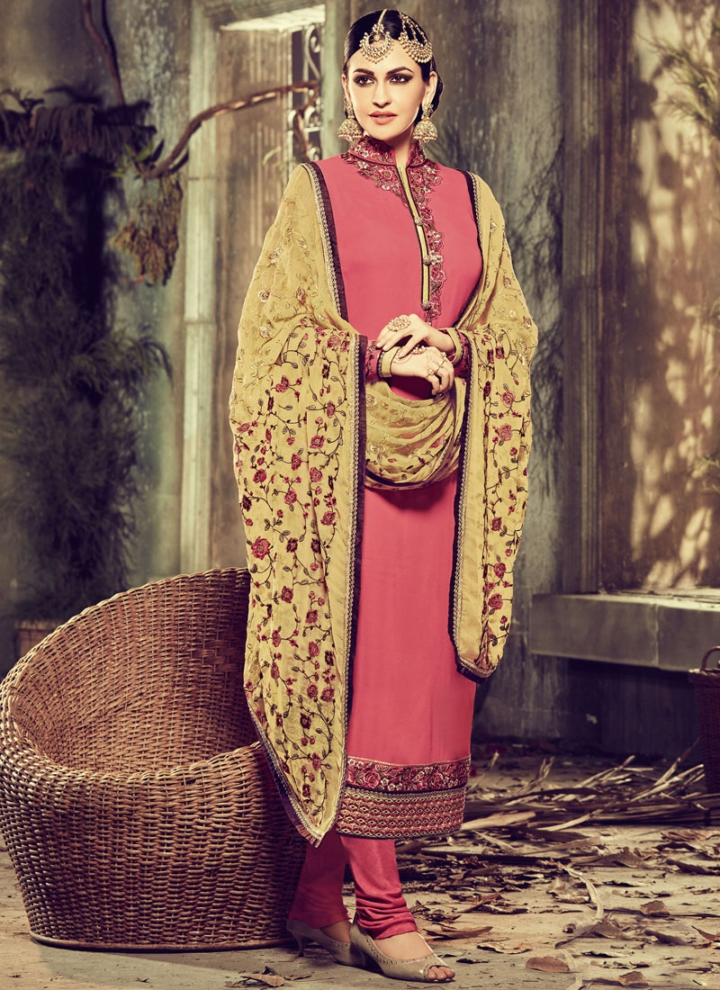 Ravishing Lace Work Faux Georgette Pakistani Salwar Suit