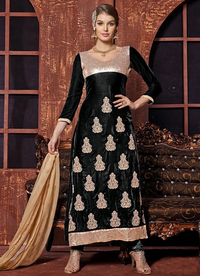 Remarkable Sequins And Lace Work Pakistani Salwar Kameez