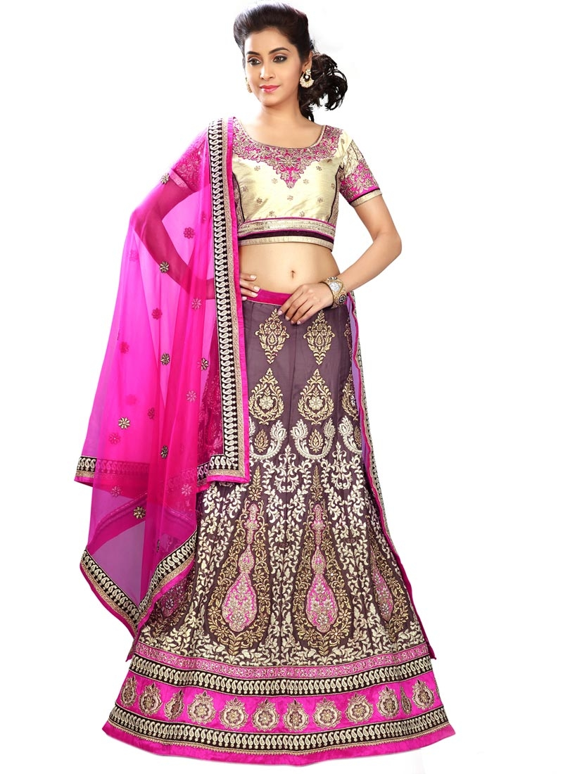 Sightly Booti And Stone Work Bridal Lehenga Choli