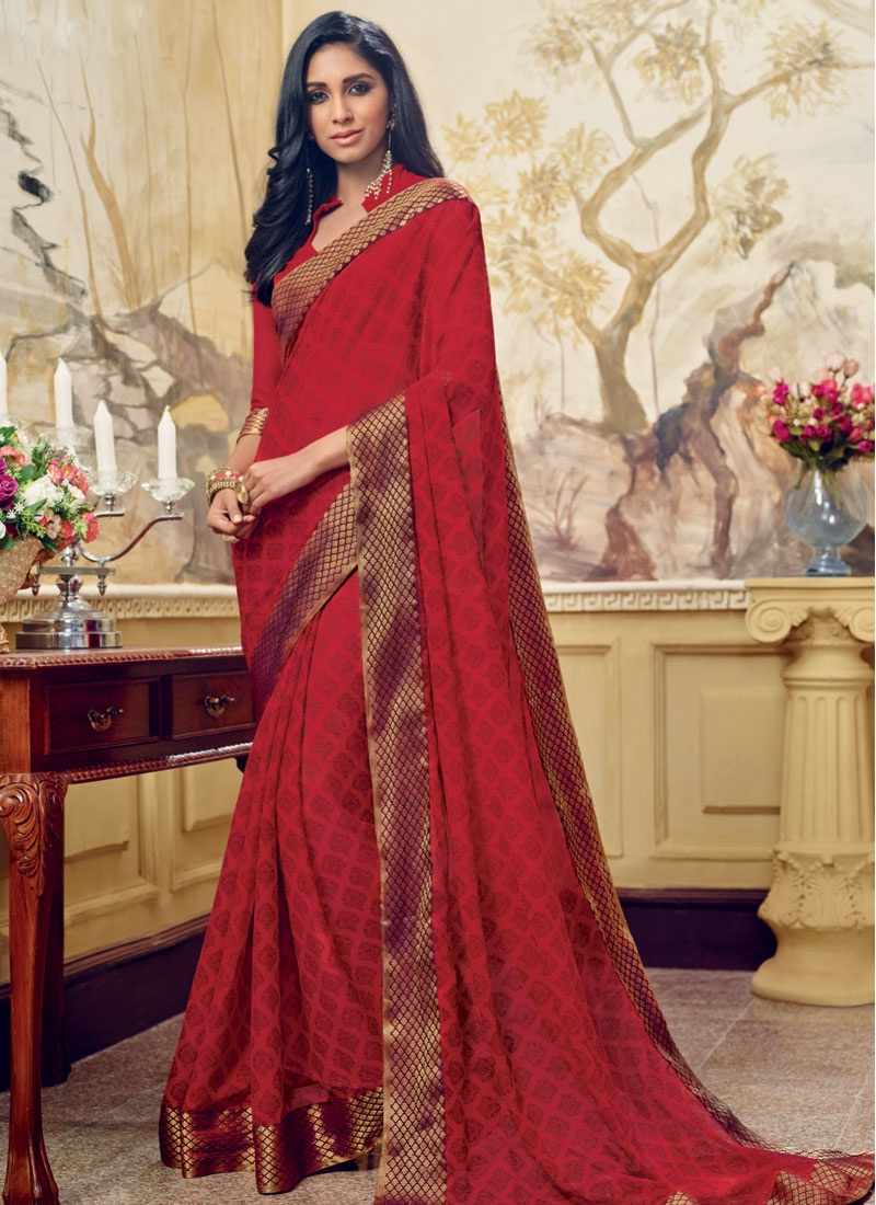 Simplistic Abstract Print And Lace Work Casual Saree