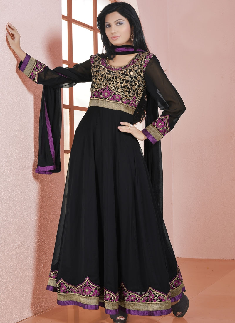 Sophisticated Lace And Resham Work Anarkali Salwar Kameez
