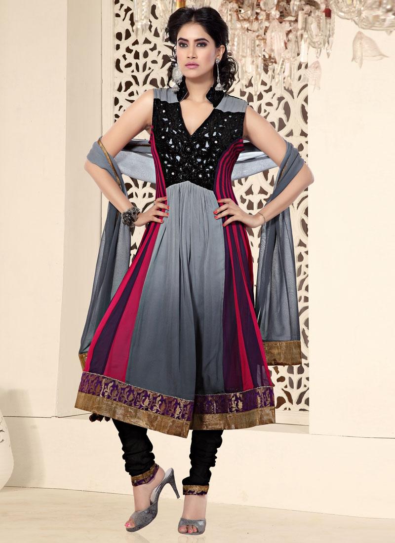 Stunning Gray And Black Georgette Salwar Kameez