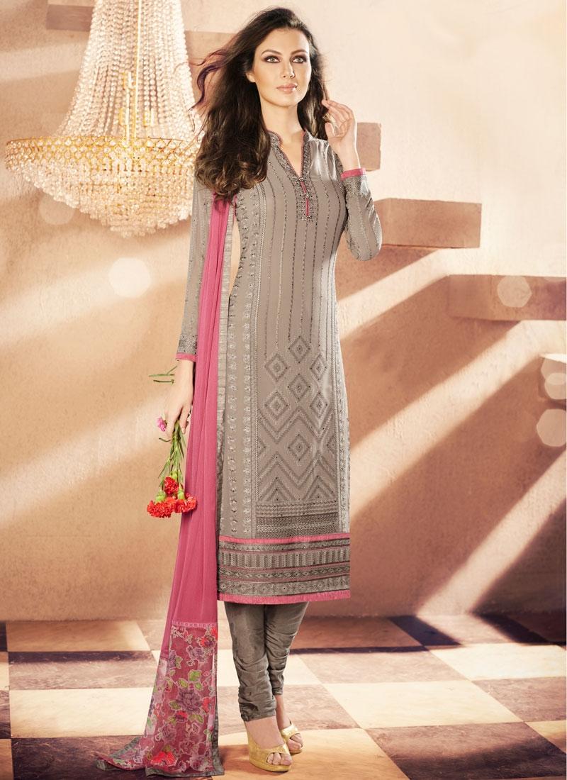 Sumptuous Lace Work Churidar Salwar Kameez