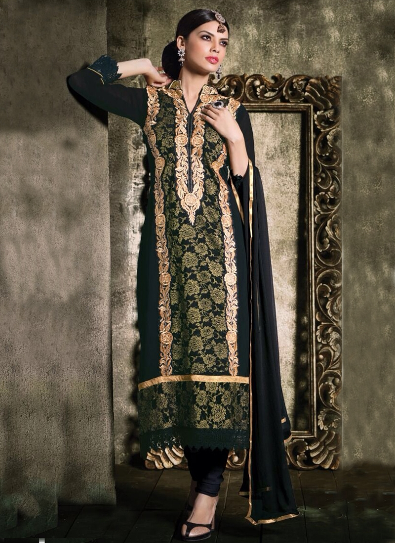 Surpassing Resham And Lace Work Churidar Salwar Kameez