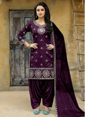 Tafeta Silk Trendy Straight Salwar Kameez