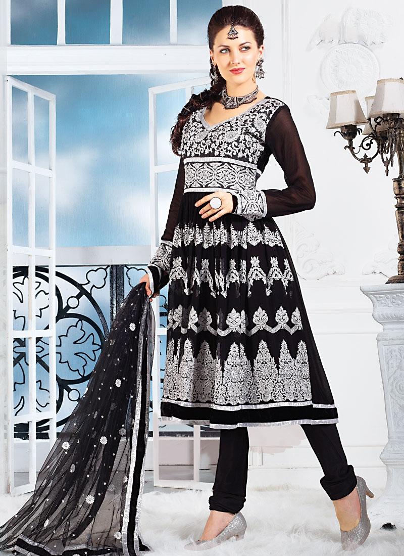 Tantalizing Black Georgette Salwar Kameez