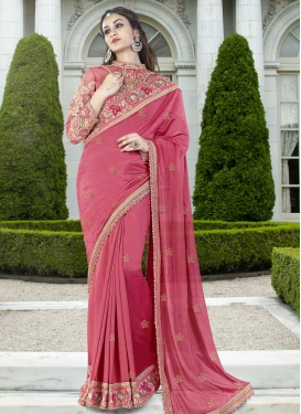 Tantalizing Silk Contemporary Style Saree
