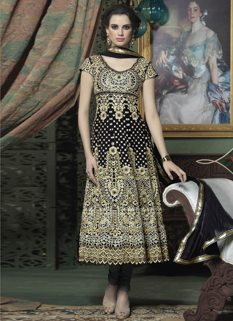 Tempting Black Color Georgette Designer Salwar Kameez
