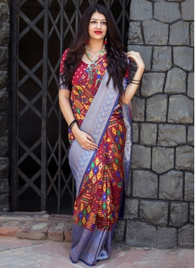 Thread Work Blue and Red Trendy Classic Saree