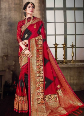 Thread Work Contemporary Style Saree For Ceremonial