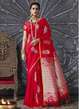 Thread Work Handloom Silk Trendy Classic Saree