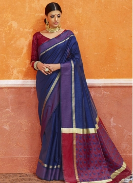 Thread Work Maroon and Navy Blue Classic Saree