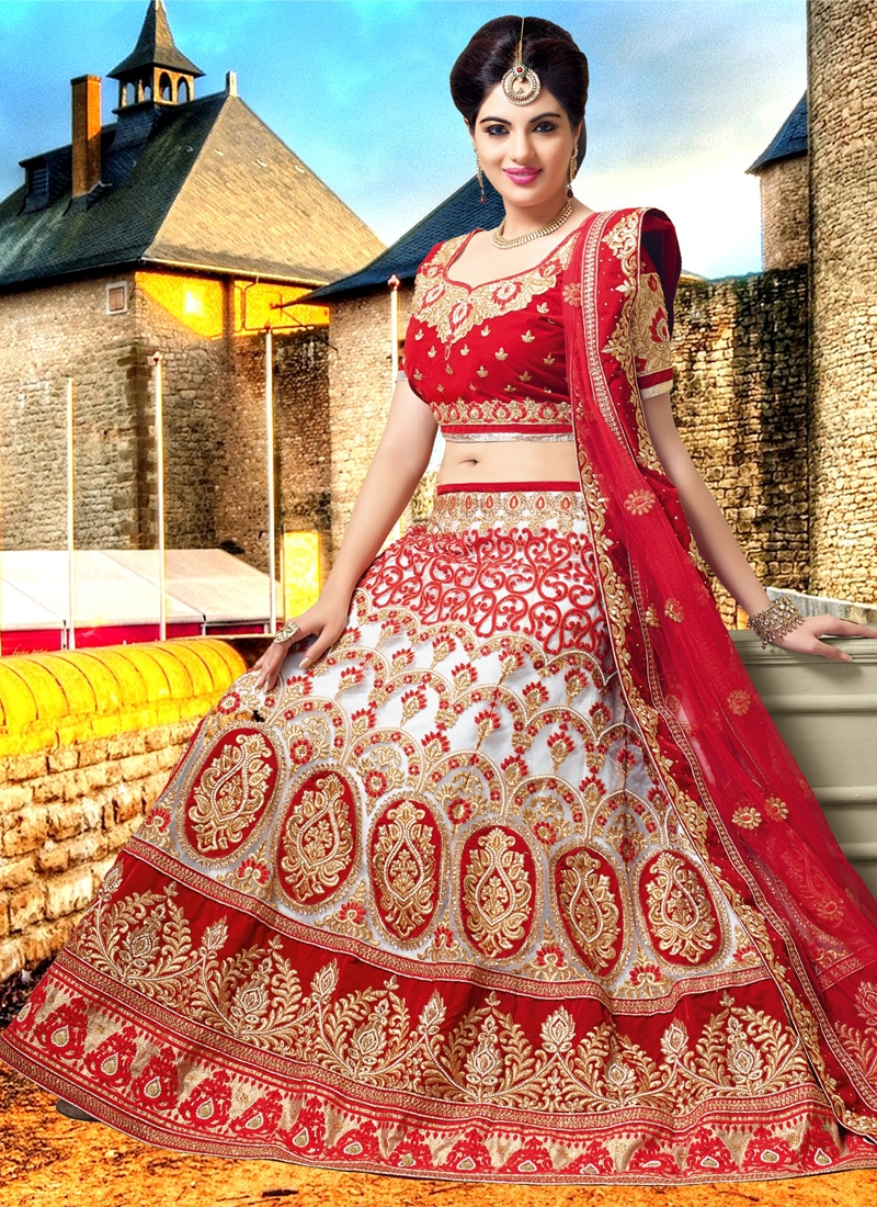 Titillating Patch Border Work Bridal Lehenga Choli