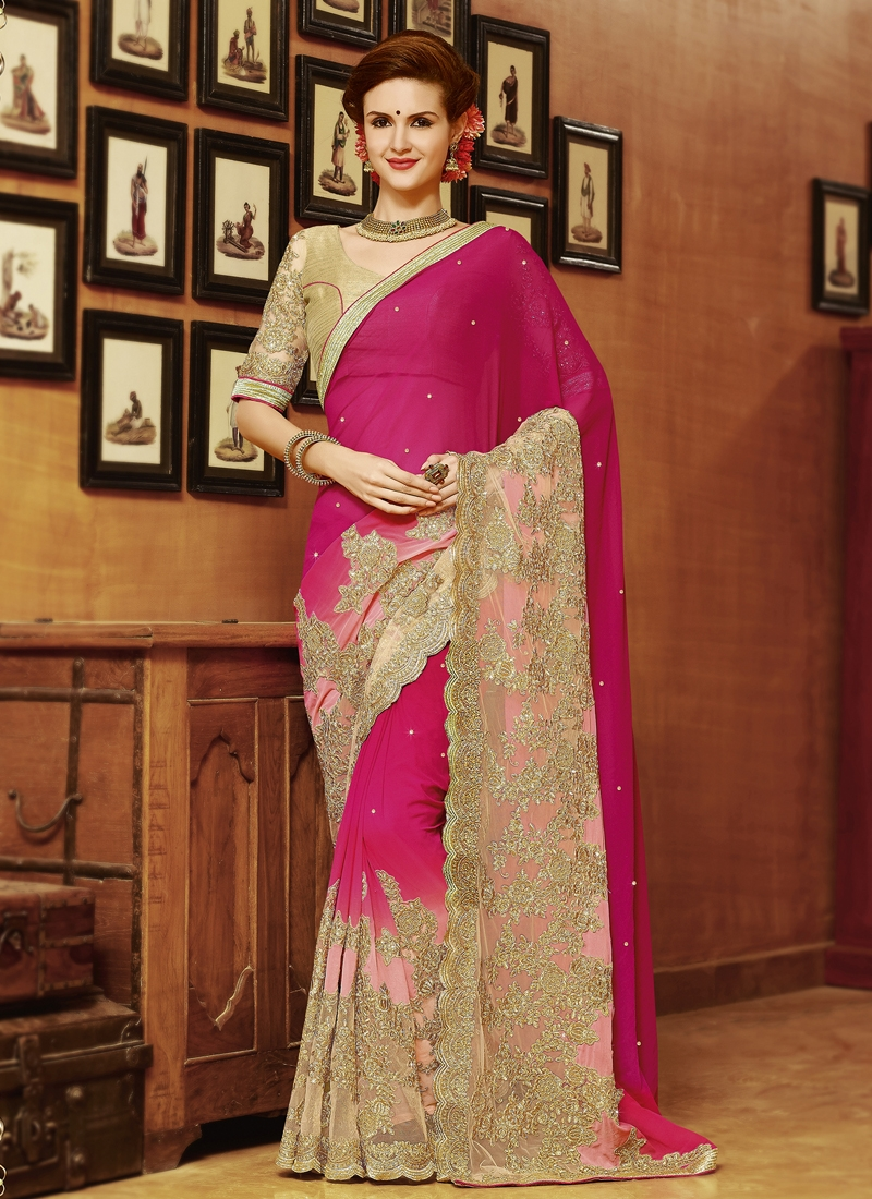 Topnotch Embroidery Work Designer Saree