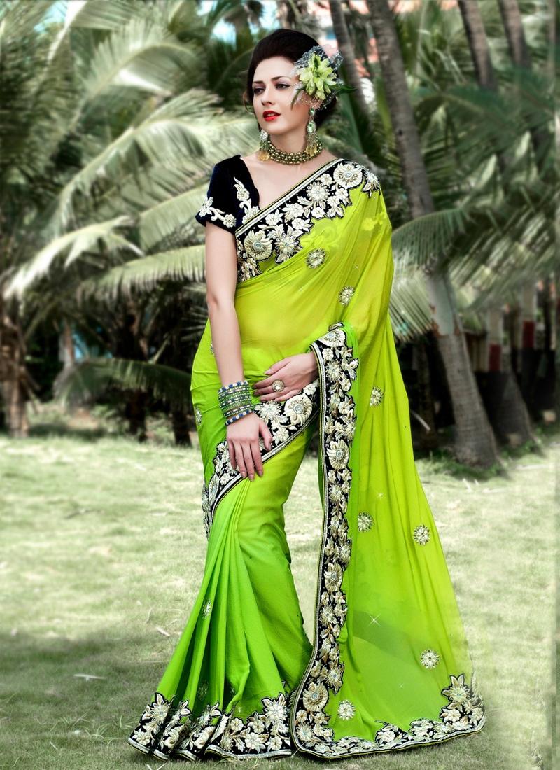 Topnotch Floral Work Designer Saree