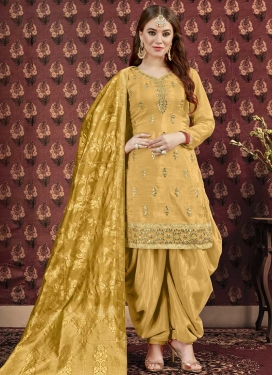 Uppada Silk Punjabi Salwar Kameez For Ceremonial
