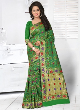 Vehemently  Resham Work Trendy Classic Saree