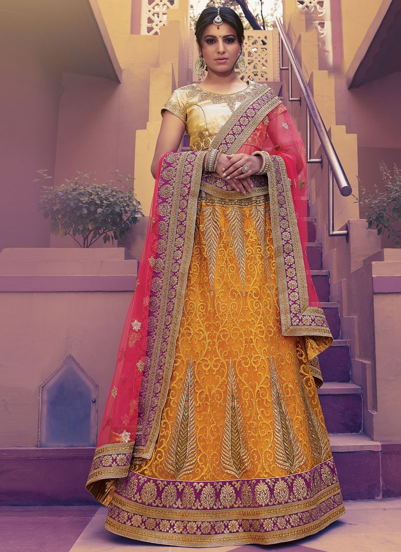 Winsome Booti Work Net Bridal Lehenga Choli