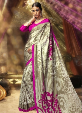 Zesty Classic Saree For Casual